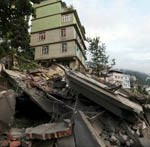Quakes Hit Himalayas and Central America